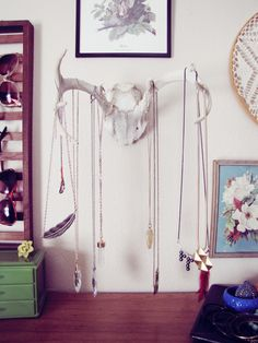 Jewelery storage | Very cool. Not for your fancy things, but would make a great display nonetheless. :-D
