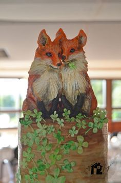 """Foxy topper from """"How lucky we are of having found us""""- wedding cake. - Cake by Daniel Diéguez"""