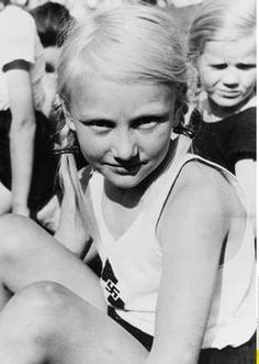 Jungmädel (girls aged 10 to 13) at the Reich sports competition of the Berlin BDM. June 1st, 1937.