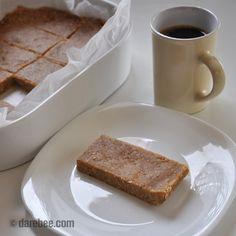 Homemade no-bake breakfast no-powder protein bars
