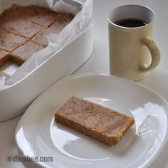 Homemade no-bake breakfast no-powder protein bars - Ingredients: 5 cups ( 450g ) uncooked oatmeal (quick oats) 1 1/3 cups ( 340g ) peanut butter 1 cup ( 250ml ) coconut cream or milk 3 tbsp honey