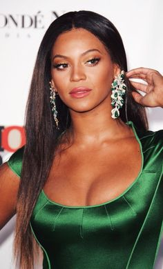 Beyonce Knowles Carter, Beyonce And Jay, Beyonce Style, Bombshell Beauty, Queen B, Celebs, Celebrities, Most Beautiful Women, Rihanna