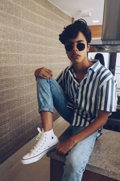 Over 30 Vintage Summer Outfits Ideas You Must Try Today - # ., Over 30 vintage summer outfits ideas that you have to try these days - # . Vintage Summer Outfits, Summer Outfits Men, Retro Outfits, Basic Outfits, Plad Outfits, White Converse Outfits, Converse Fashion, Rock Outfits, Fashion Outfits