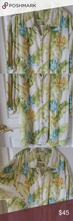 Tommy Bahama casual shirt! Excellent condition! Like new! Never worn Tommy Bahama Shirts Casual Button Down Shirts