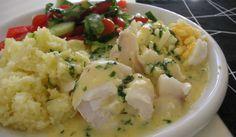 Kokt torskrygg med ägg och persiljesmör - gudrun - Recept