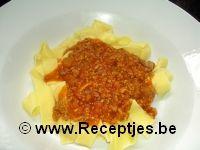 Tagliatelli met Tomatensaus en Gehakt