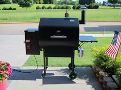Green Mountain Grills Daniel Boone Pellet Grill Review - Available with wi-fi temperature controls! Control the temperature of the grill right from your phone.