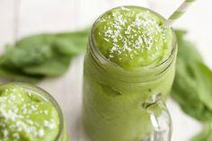 Matcha Green Tea Smoothie, quick and easy 5-Ingredient recipe. #vegan #lovingitvegan #matcha #greentea #greensmoothie #smoothie #glutenfree #dairyfree