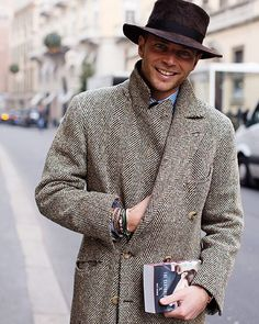On the Street…Luca Rubinacci, Milan « The Sartorialist Gents Fashion, Fashion Moda, Look Fashion, Winter Fashion, Milan Fashion, The Sartorialist, Gentleman Mode, Gentleman Style, Mode Masculine