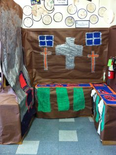 """Teaching in Room 6: A Tour of My """"Colony"""" {Classroom Tour}"""