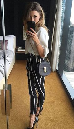 38 Business Fashion Trends To Wear Now - Global Outfit Experts Trajes Business Casual, Business Casual Outfits, Classy Outfits, Vintage Outfits, Business Casual Clothes, Business Casual Womens Fashion, Summer Business Attire, Business Wear, Mode Outfits