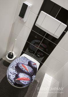 Raumgestaltung. Natürliche Motive bringen frische Farben und Wellnesscharakter in diese individuell gestalteten Toiletten. Mit ein paar passenden Accessoires wirkt das Design unaufdringlich und lädt zum Wohlfühlen ein. Ideen für das Badezimmer
