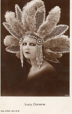Lucy Doraine (22 May 1898 – 14 October 1989) was a Hungarian film actress of the silent era. Here is she is wearing an Art Deco Headdress. @designerwallace