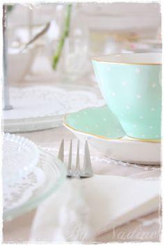 Pretty mint polka dot tea set / Nadine's Cakes & My little white home: Birthday High Tea