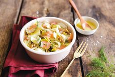 #recette #Salade d' #endives et #saumon #SaintValentin Healthy Low Carb Recipes, Food Trends, Fish And Seafood, Salad Recipes, Cabbage, Good Food, Easy Meals, Healthy Eating, Soup