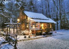 Log cabin in NC mountains in snow, Boone area