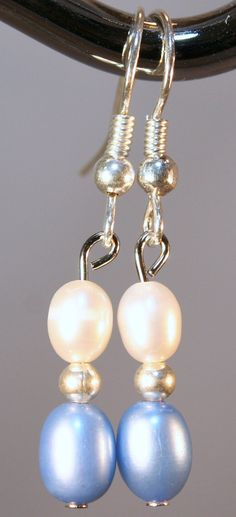 Freshwater pearl earrings in light blue and white for North Carolina Tar Heels fans