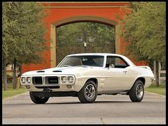 1969 Pontiac Firebird Trans-Am Maintenance of old vehicles: the material for new cogs/casters/gears could be cast polyamide which I (Cast polyamide) can produce 1969 Firebird, Pontiac Firebird Trans Am, Old Muscle Cars, American Muscle Cars, Sexy Cars, Hot Cars, Pontiac Cars, Pony Car, Vintage Cars