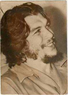 Comandante Ernesto Che Guevara - the Argentine-Cuban guerrilla fighter, revolutionary leader,. Fidel Castro, Che Guevara Images, Ernesto Che Guevara, Revolutionaries, Rock And Roll, Cool Photos, 1950s, Flora, Freedom