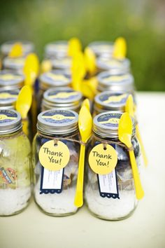 Mason Jars Wedding Favors - fill with dry ingredients and tag with the recipe.