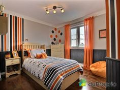 Wall dots and stripes, orange/gray/white color scheme Indian Bedroom Decor, Boys Bedroom Decor, Blue Bedroom, Bedroom Wall, Girls Bedroom, Chambre Nolan, Teenage Room, New Room, 2013
