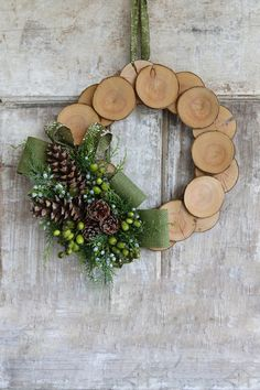 DIY Wood Slice and Burlap Wreath