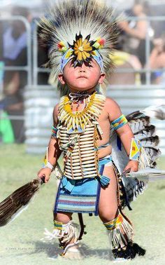 Young Native American dancer in full dress, taken at the Julyamsh Pow Wow in Post Falls, ID, which is put on by the Coeur d'Alene Indian Tribe. Native American Children, Native American Beauty, Native American History, American Indians, Native Child, Native American Cherokee, Native American Photos, American Symbols, American Women