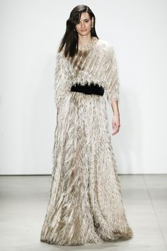 See the complete Jenny Packham Fall 2016 Ready-to-Wear collection.