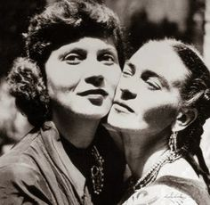 Frida Kahlo and Tina Modotti cheek to cheek.