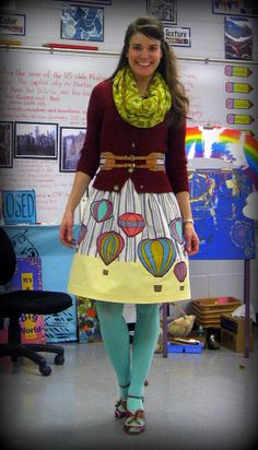 Cassie Stephens: What the Art Teacher Wore Art Teacher Outfits, Teacher Dresses, Teacher Wear, Summer Teacher Outfits, Teacher Style, Teacher Fashion, Teacher Clothes, Colored Tights Outfit, Green Tights