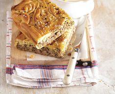 Αυτή η πίτα μπορεί να γίνει το αγαπημένο σνακ μικρών, αλλά και μεγάλων. Το θρεπτικό πράσο μαζί με τα μπαχαρικά δημιουργούν την πιο αρωματική πίτα.