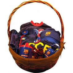 Cesta F. Club Barcelona 3 - La más completa canastilla para bebé del fútbol Club Barcelona, con productos 100% originales y de licencia Oficial - Envíos a toda España