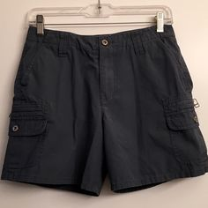 Sundance Catalog Cargo Shorts 4 In blue with a hint of grey from the Sundance Catalog. Size 4. No trades. No PayPal. Sundance Shorts Cargos
