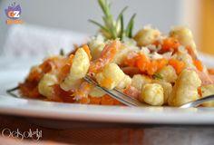 Gnocchi di cous cous rigati, con zucca al rosmarino e speck, dei gnocchetti leggeri senza patate preparati con cous cous cotto, zucca, speck, rosmarino.