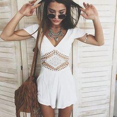 ╰☆╮Boho chic bohemian boho style hippy hippie chic bohème vibe gypsy fashion indie folk the . Look Hippie Chic, Look Boho, Bohemian Style, Hippie Bohemian, White Bohemian, Bohemian Fashion, Gypsy Style, Glam Style, Boho Girl