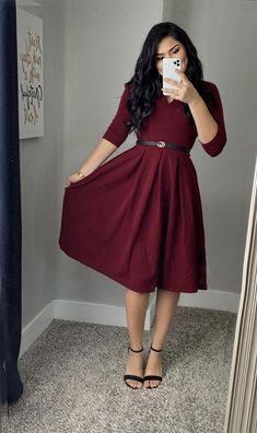 modest Wine Midi Dress Source by modest dresses Modest Church Outfits, Cute Modest Outfits, Winter Dress Outfits, Casual Dresses, Prom Dresses, Dress Prom, Winter Midi Dress, Dresses For Winter, Formal Outfits