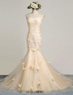 Elegant Sweetheart Lace Appliques With Flowers Champagne Wedding Dress,mermaid wedding dresses,champagne wedding dresses,strapless wedding dresses,wedding dresses 2016