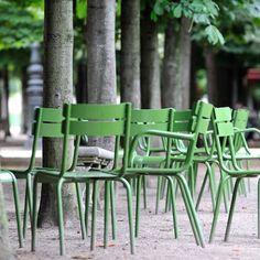 Garden Chairs, Garden Furniture, Outdoor Furniture Sets, Outdoor Spaces, Outdoor Chairs, Outdoor Decor, Paris Garden, Luxembourg Gardens, Green Garden