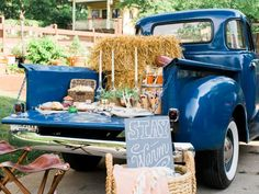 The entertaining experts at HGTV.com share doable tips for throwing a stylish tailgate party.