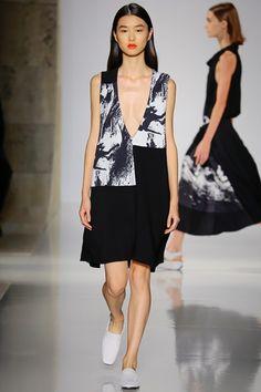 Sfilata Victoria Beckham New York - Collezioni Primavera Estate 2016 - Vogue