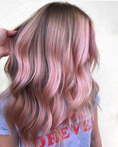 50 Bold and Subtle Ways to Wear Pastel Pink Hair - 50 Bold and Subtle Ways to Wear Pastel Pink Hair Chunky Pink Hair Highlights on Dirty Blonde Rose Blond, Pink Blonde Hair, Pink Hair Dye, Pastel Pink Hair, Blonde With Pink, Hair Color Pink, Pretty Pastel, Blonde Hair With Pink Tips, Brown And Pink Hair