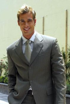 William Levy - william-levy-gutierrez Photo william-levy-is-christian-grey