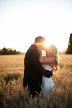 I hope my outdoor wedding picture will look like this! Outdoor Wedding Pictures, Wedding Pics, Wedding Bells, Wedding Engagement, Wedding Images, Wedding Stuff, Wedding Photo Inspiration, Engagement Photography, Bridal Photography