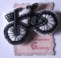 bicicleta broche de fieltro fieltro,relleno,hilo artesanal a mano