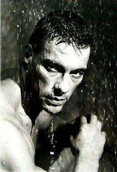 Jean-Claude van Damme ♡♥♡ Karate Shotokan, Claude Van Damme, Kickboxing, Muay Thai, French Man, Martial Artists, Horror Books, Hollywood, The Expendables