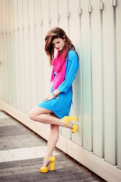 hot pink scarf and yellow Shoes and blue dres
