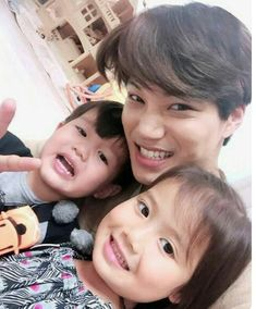 I'm sending my deepest condolences to Kai's family. May Kai's father rest in peace. Kyungsoo, Kaisoo, Exo Ot12, Exo Kai, Luhan And Kris, Park Chanyeol, Korean Babies, Asian Babies, Fanfic Exo