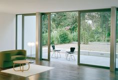 CP 50 - Door sliding system by Reynaers Aluminium Aluminium Sliding Doors, Zeitgenössisches Apartment, Contemporary Apartment, Folding Doors, House Extensions, Vintage Modern, Home Projects, Bungalow, Outdoor Living