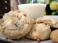 These cookies are absolutely yummy. I found this recipe about two years ago in Cooking Light Magazine. My interest was piqued by the beautiful photo of the cookies, I immediately open the magazine… Cookie Recipes, Dessert Recipes, Desserts, Kahlua Recipes, White Chocolate Chip Cookies, Cupcake Cookies, Cupcakes, Latest Recipe, Alcohol Recipes