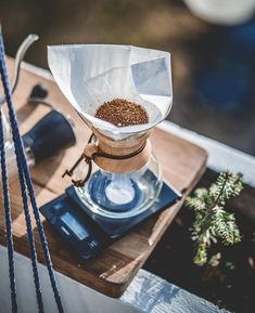 Fresh Chemex for 6 incoming! Whats your favourite pour over coffee method? Comment below! Chemex Coffee Maker, V60 Coffee, Pour Over Coffee, Your Favorite, Favorite Things, Coffee Time, Brewing, Fresh, Alternative